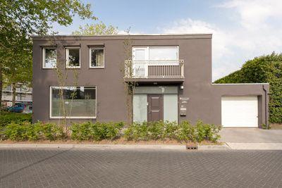 Puccinistraat 17, Tilburg
