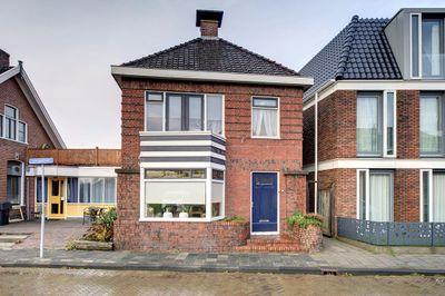 Leeuwstraat 13, Uithuizen