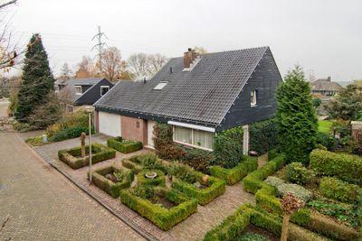 Kloevelaan 27, Giessenburg