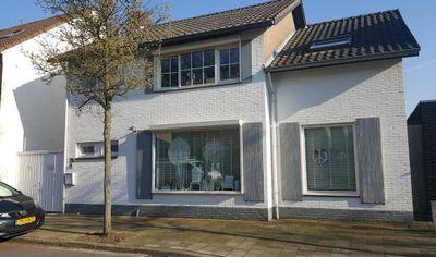 Weustenraedtstraat 104, Hoensbroek