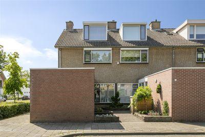 Mezenlaan 1, Oosterhout