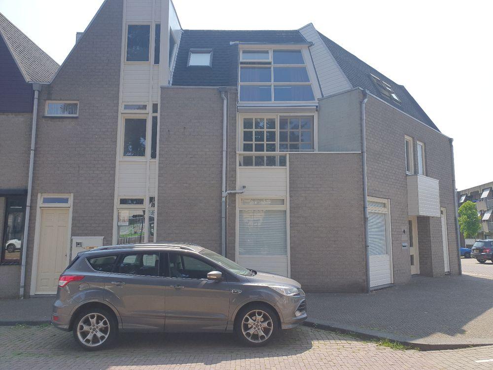 Vleeshouwerstraat 16, Steenbergen