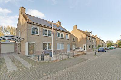 Kadegriend 28, Almere