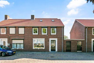 Van Den Elsenplein 7, Wagenberg