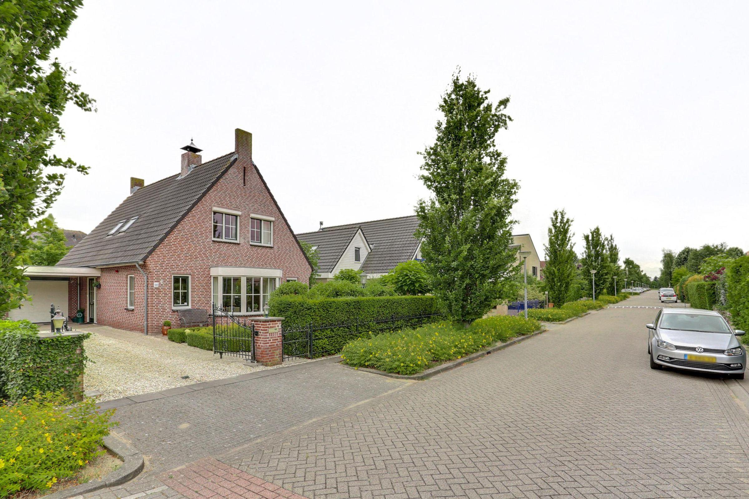 Brancusistraat 98, Almere