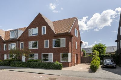 Van der Duijn van Maasdamweg 426, Rotterdam