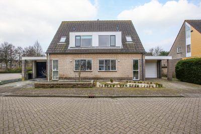 Philips van Almondestraat 34, Hellevoetsluis