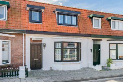 Burgemeester van Zuijenstraat 7, Breskens