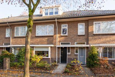 Burgemeester Buijsenstraat 24, Breda