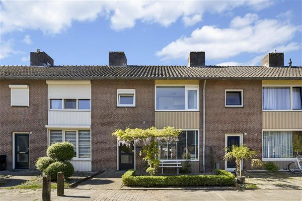 Adonispad 10, Eindhoven