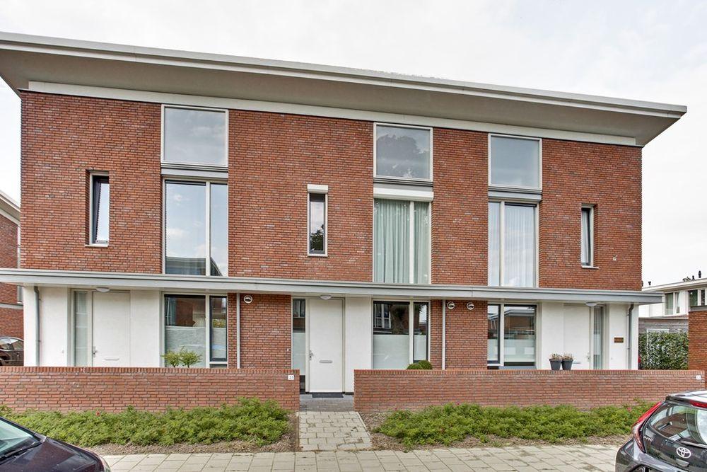 Mr. C.L. Kniphorststraat 31, Emmen