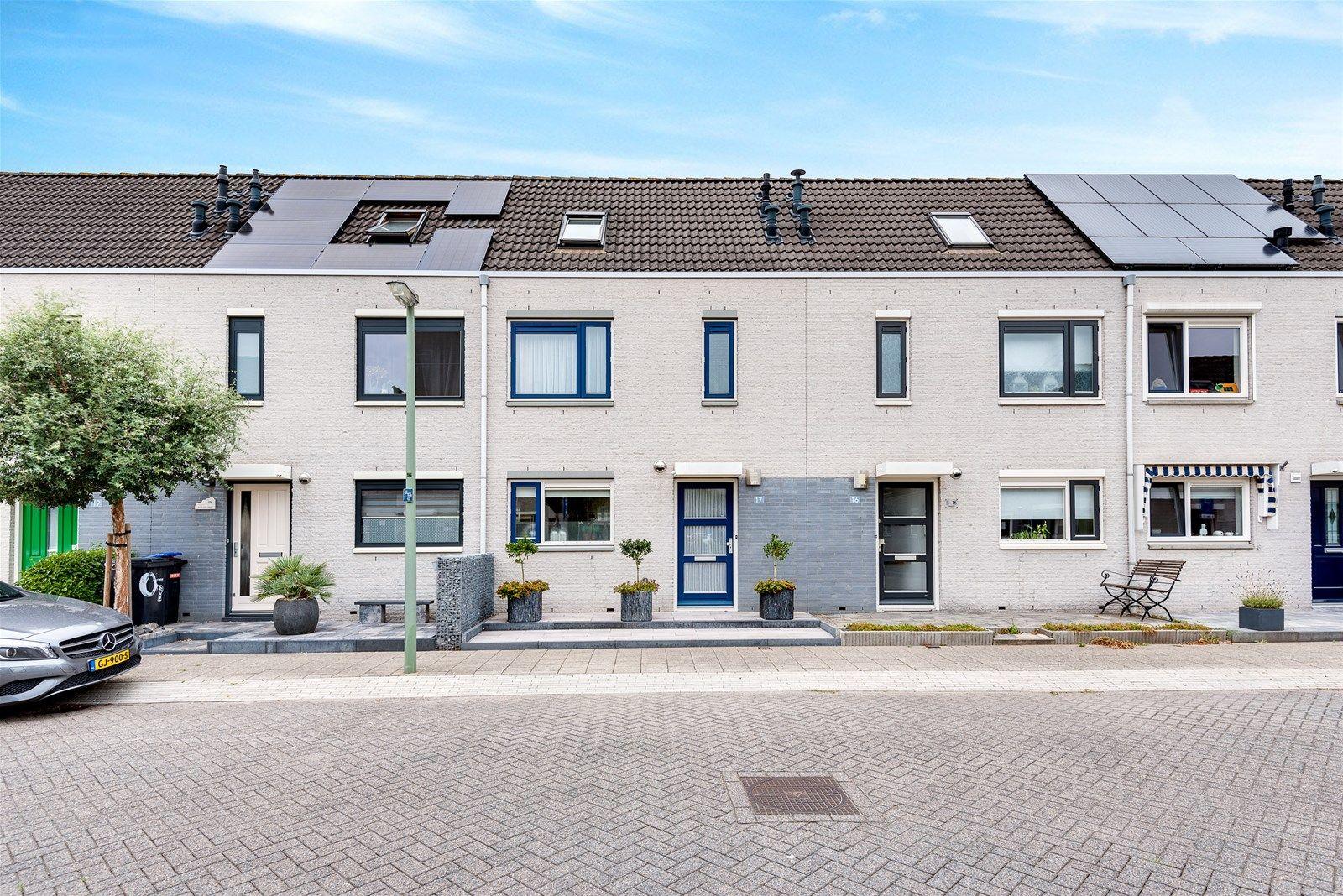 Van Doesburg-erf 17, Dordrecht