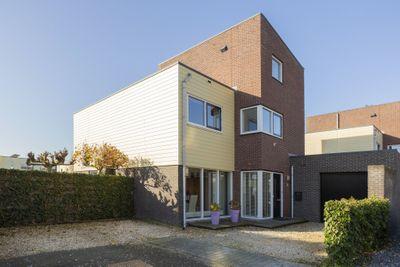 Duinbeek 60, Hoofddorp