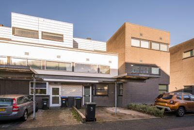 Chris J. Walsonstraat 53, Dordrecht