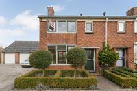 Koningin Beatrixstraat 1, Sint-maartensdijk