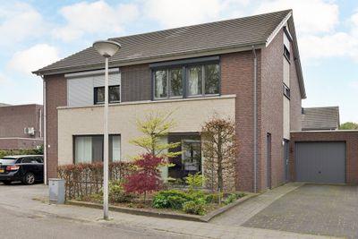 Jan van Ruusbroecstraat 9, Sittard
