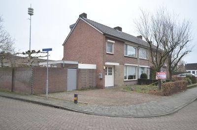 Willem II straat 10, Budel
