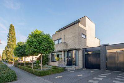 Meeuwberg 33, Roosendaal