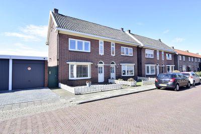 P.C. Hooftstraat 19, Almelo