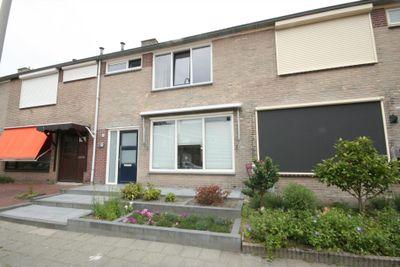 Oudlandsestraat 61, Steenbergen