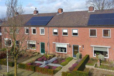 Bernhardstraat 92, Delden