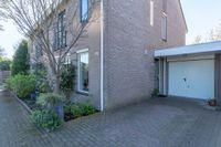 Nijvergouw 72, Almere
