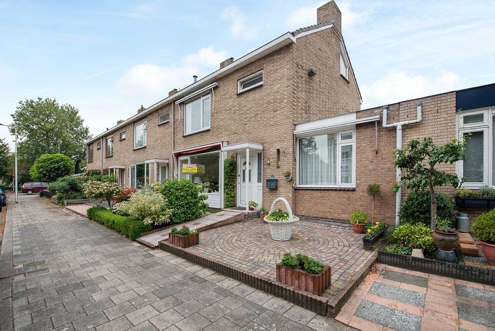 Van Staverenstraat 7, Reeuwijk