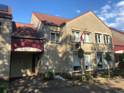 Van Bronckhorststraat 28, Horst