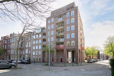 Suze Groeneweglaan 2, Rotterdam