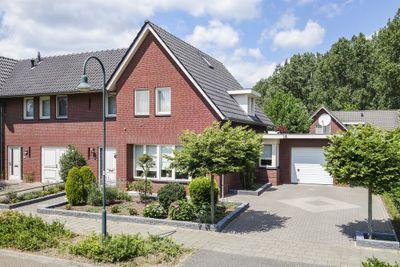 Bleyenbeekdreef 35, Helmond