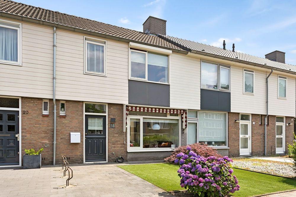Piet Heinstraat 18, Helmond
