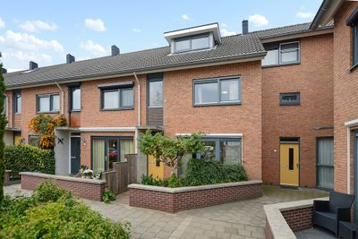 Oranjewerf 52, Maasdijk