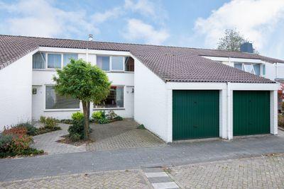 Hoevelakenstraat 16, Tilburg