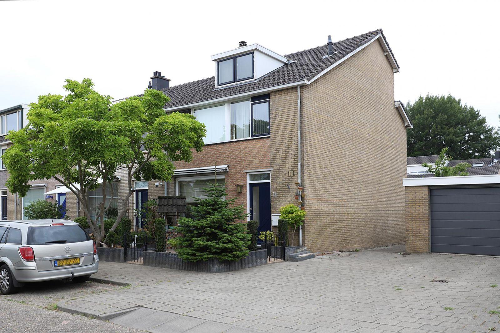 H.A. Lorentzstraat 11, Papendrecht