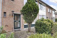 Kamperfoeliestraat 18, Nieuw-Vennep