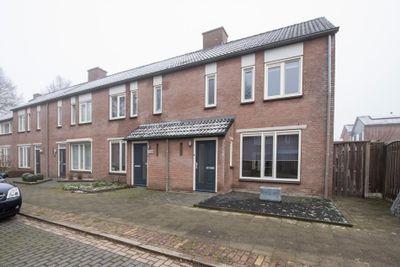 Nieuwstraat 37, Someren