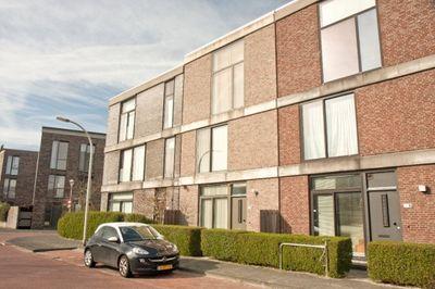 Scholekstersingel 10, Den Haag