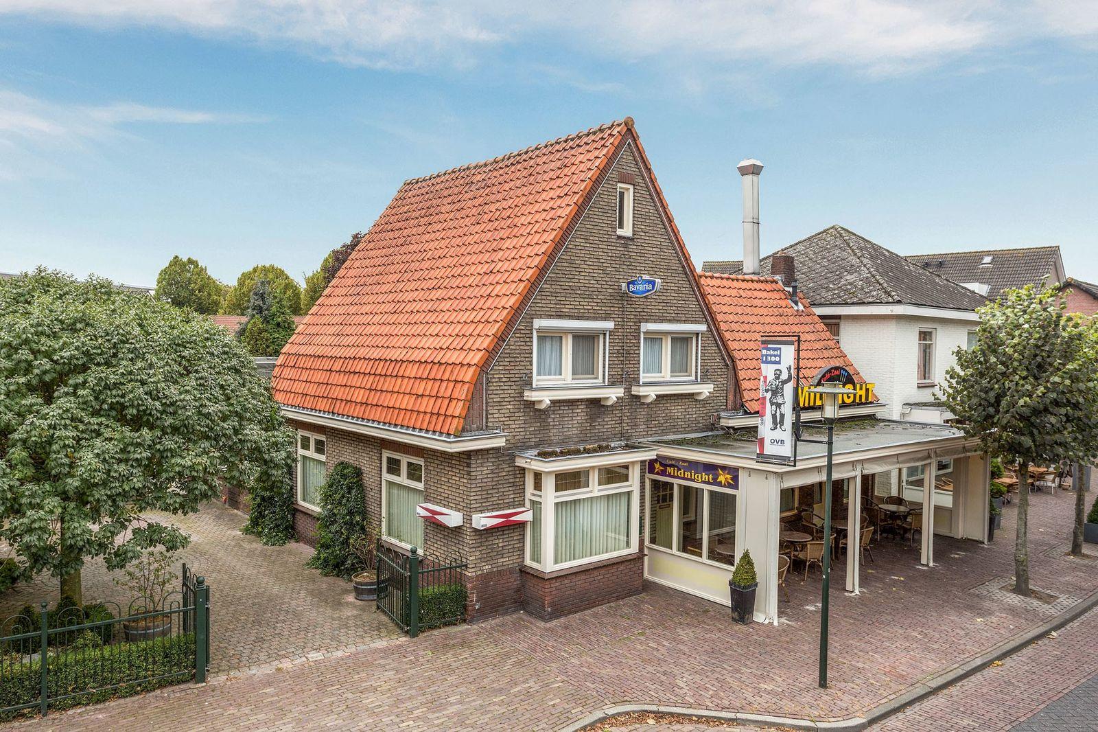 Dorpsstraat 40--42, Bakel