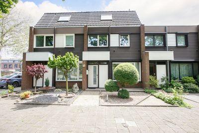 Alexander van Parmastraat 63, Venlo