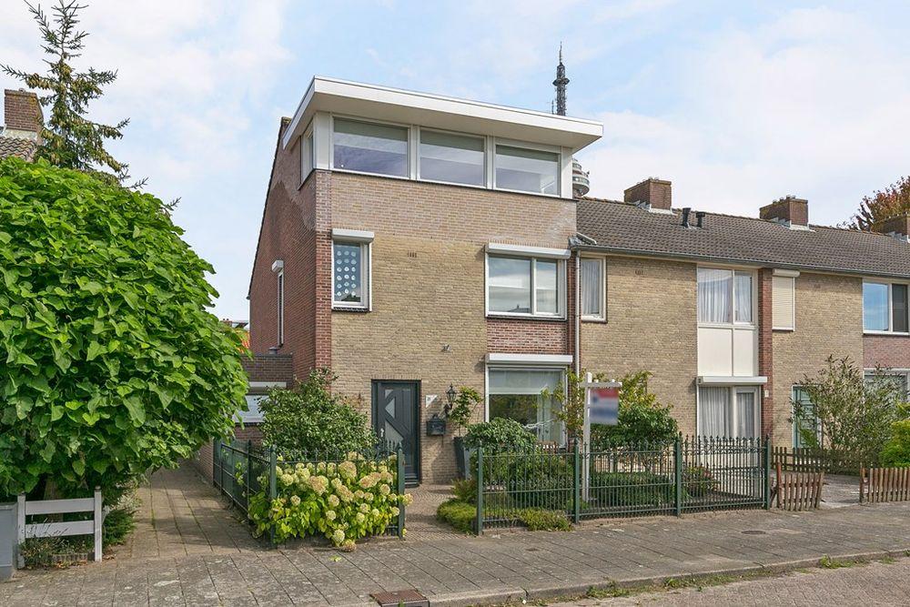 Van der Nootlaan 21, Roosendaal