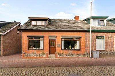 Nieuwstraat 24, Halsteren