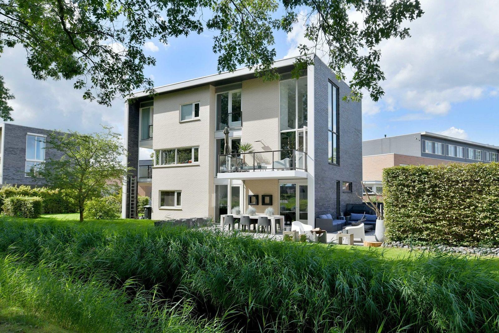 Joost Beeldsnijderweg 13, Deventer