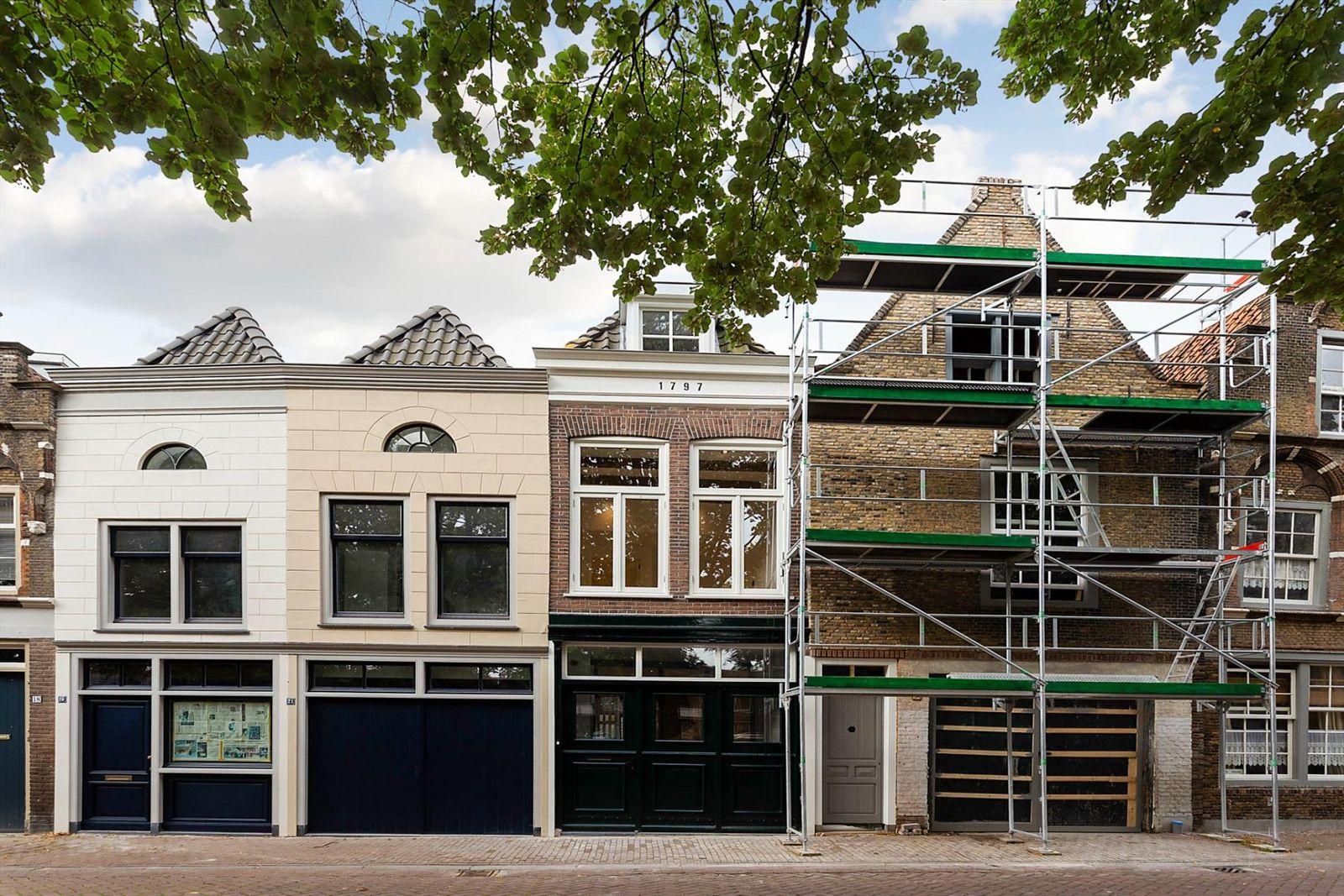 Weeshuisplein 23, Dordrecht