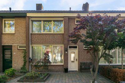 Leharstraat 17, Halsteren