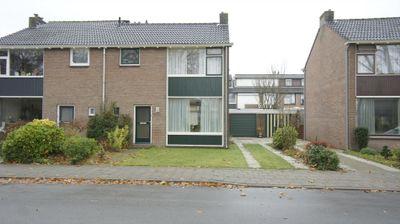 Prins Bernhardstraat 18, Duiven