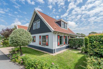Hogeweg 44-8, Burgh-Haamstede