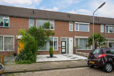Dokter Maasstraat 5, Colijnsplaat