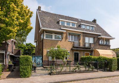 Anna van Burenstraat 19, Schiedam
