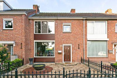 Mahoniehoutstraat 56, Helmond