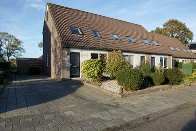 Ir. C.A. Kloosterhuisstraat 11, Willemsoord